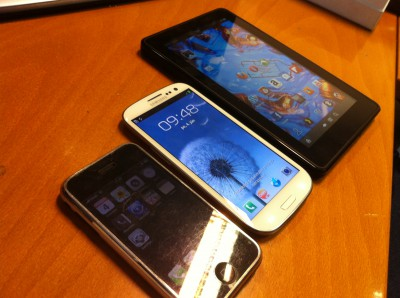 Apple iPhone, Samsung Galaxy S III a Amazon Kindle Fire