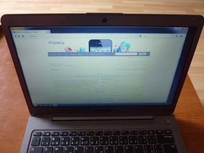 Laptop Samsung Series 5: LCD zhora