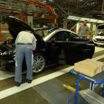 Montáž áut v Magna Stayr.