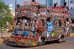 cirkus-autobus-india