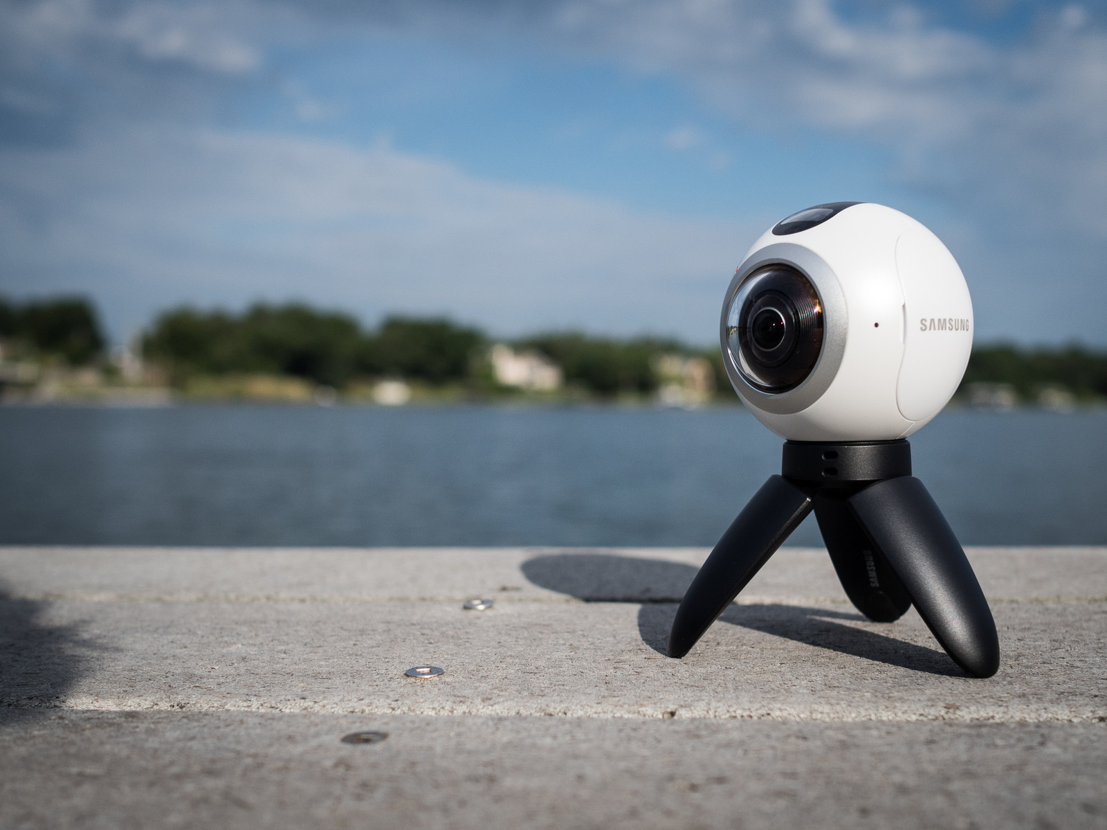 samsung-gear-360-tit